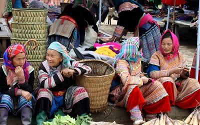 Sapa - Bac Ha market - trekking tour