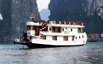 Oriental Sails Halong bay