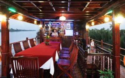 Le Cochinchine Cruise bar