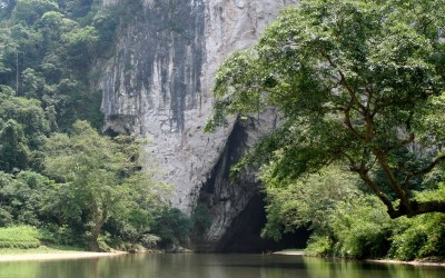 Puong Cave in Ba Be Lake
